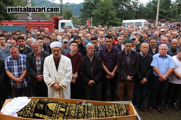 Hacı Garip Hasan Gülay'ın cenazesine yüzlerce kişi katıldı