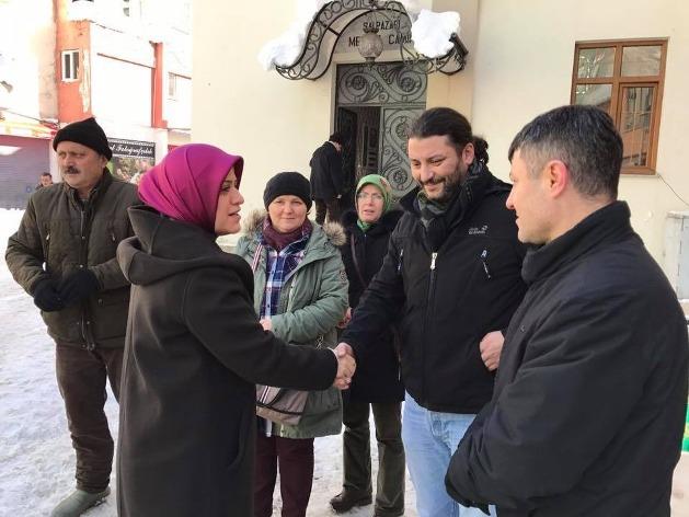 Cenazeye AK Parti Trabzon Milletvekili Av. Ayşe Sula Köseoğlu da katıldı