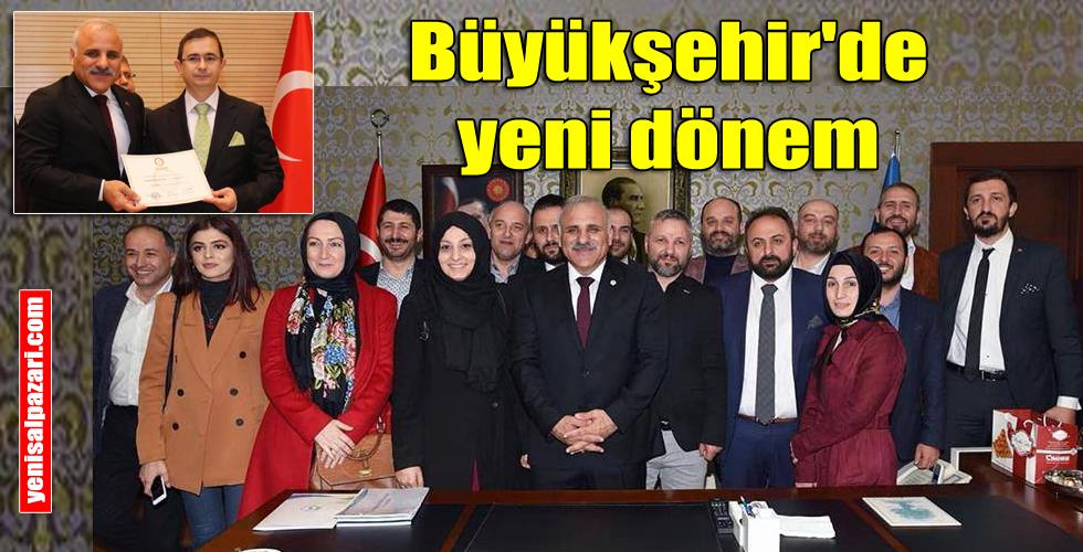 Trabzon Büyükşehir Belediye Başkanı seçilen Murat Zorluoğlu görevine başladı